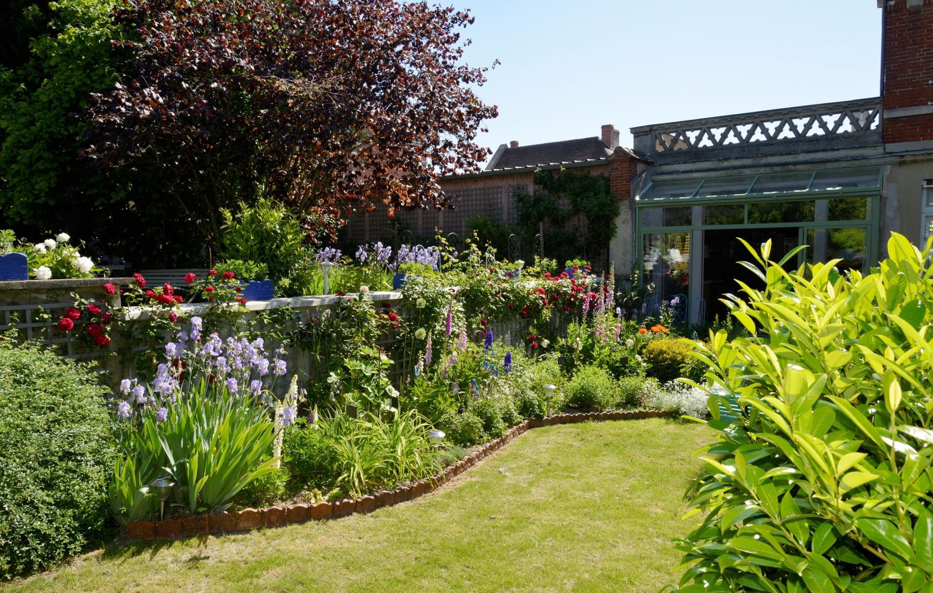 jardin-en-fleurs-villa-elizabeth